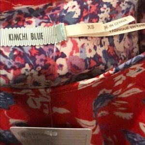 Kimchi Blue Tops - Kimchi Blue floral print flowy crop top